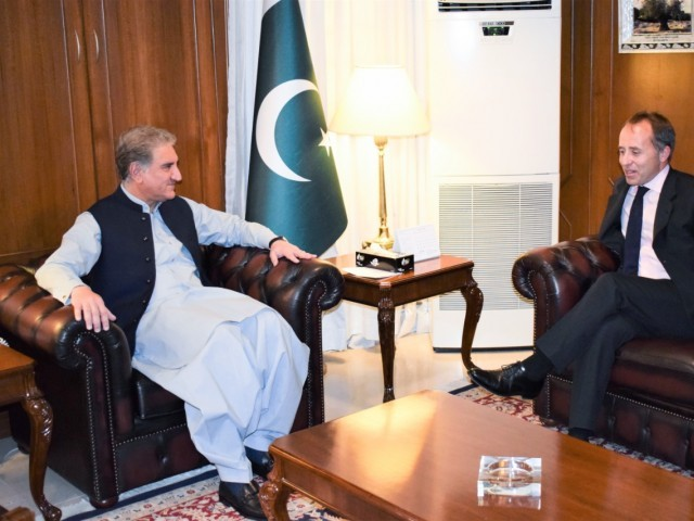 Shah Mehmood Qureshi meets Brith High Commission Thomas Drew. PHOTO: RADIO PAKISTAN