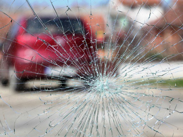 724469-roadaccidentcrashwindowglass-1403239277-388-640x480-2-2-2-2-2-3-2-2-3-2-2