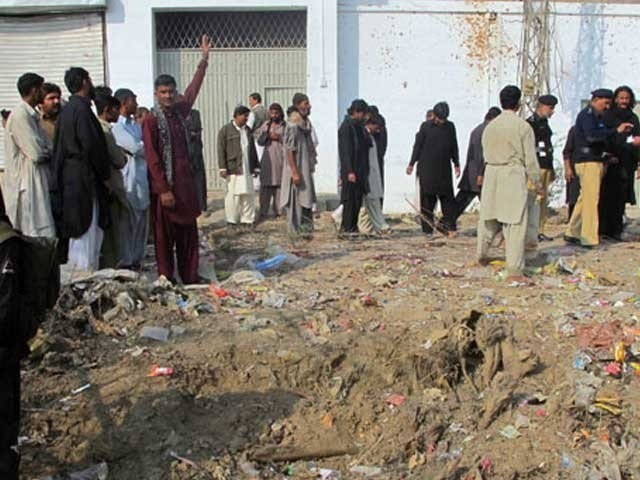 Six killed in dual blast in Pakistan