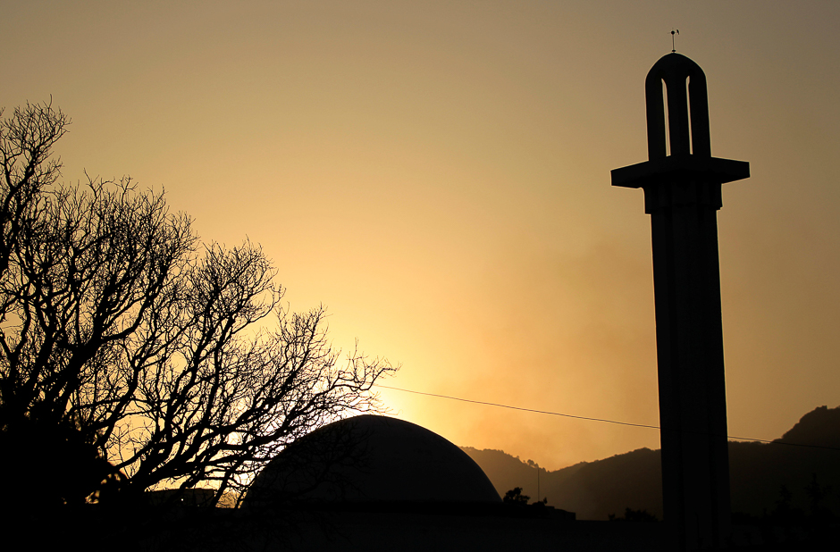 the-sun-sets-behind-a-mosque-ahead-of-ramadan-in-islamabad-photo-reuters-2-2-2-2-2-2-2-2-2