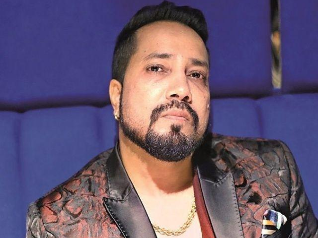 Mika Singh Apologizes To Film Industry Body Following Ban, Requests A Meeting
