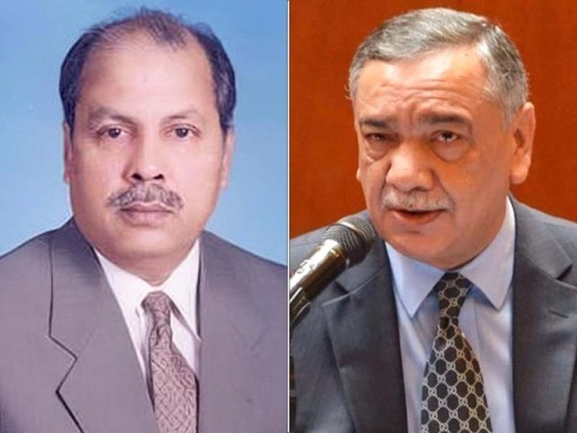 Justice Gulzar Ahmed (left) and Chief Justice of Pakistan Asif Saeed Khosa. PHOTO: FILE