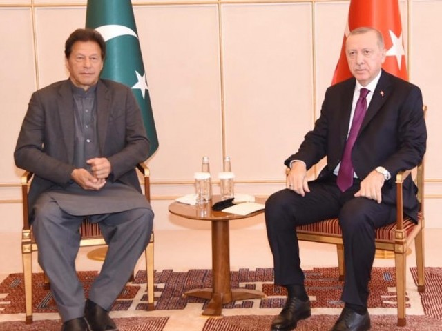 Prime Minister Imran Khan meets President of Turkey Recep Tayyip Erdogan on the sidelines of First Global Refugee Forum in UN Geneva on December 17, 2019. PHOTO: PID