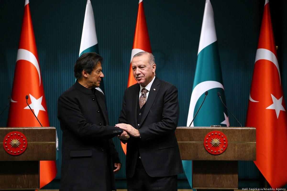 File photo of PM Imran Khan shaking hands with Turkish President Recap Tayyib Erdogan. PHOTO: ANADOUL AGENCY
