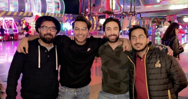 Yasir Hussain, Nomi Ansari and Ali Rehman Khan with asim